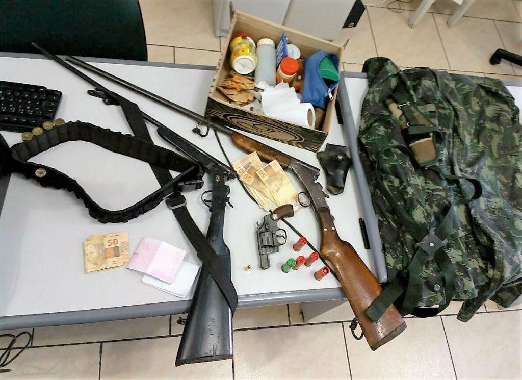 Armas e munições apreendidas na operação em Getúlio Vargas e Floriano Peixoto Crédito: Comunicação Social do 13º BPM