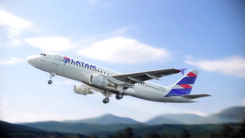 A nova rota é operada em aeronaves Airbus A320, com capacidade para 174 passageiros  |  Crédito: LATAM/Divulgação