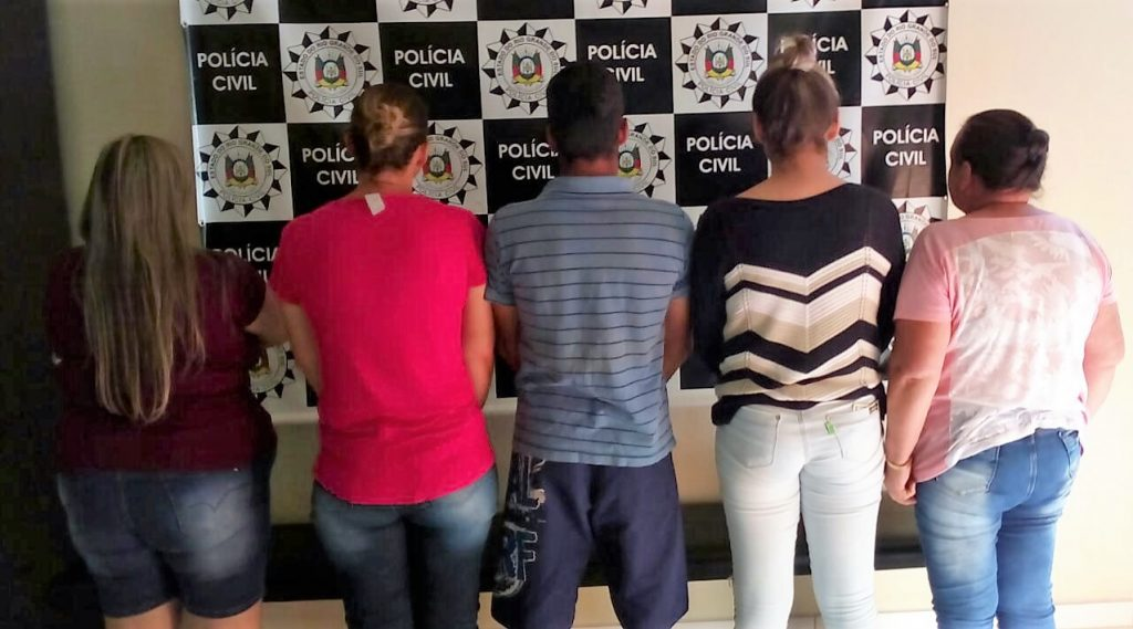 Cinco pessoas da mesma família são presas em Sertão e Getúlio Vargas | Crédito fotos: Polícia Civil do RS/Imprensa