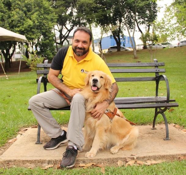 George Thomaz Harrison, instrutor de cão-guia | Foto: Instituto Magnus/Imprensa