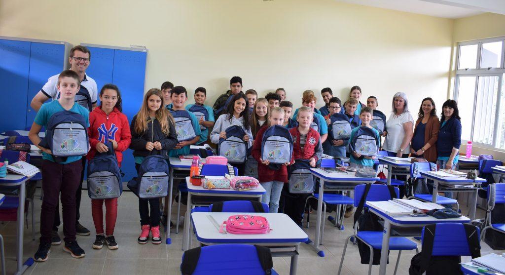 Estudantes de escolas públicas municipais de Gaurama receberam kits com materiais     Foto: Prefeitura de Gaurama/Imprensa