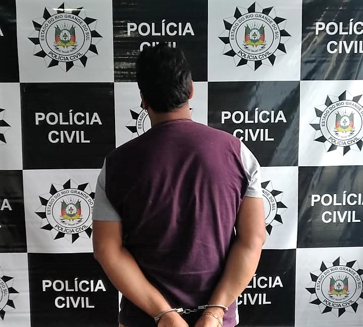Homem é preso em Paim Filho ao ser surpreendido pela Polícia Civil preparando porções de cocaína pra venda | Foros: 11ª DPRI