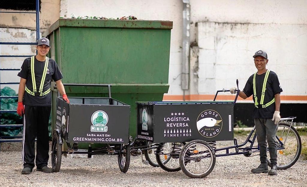 Em um mês, a iniciativa já resultou na coleta de 7,8 toneladas de garrafas, que serão recicladas
