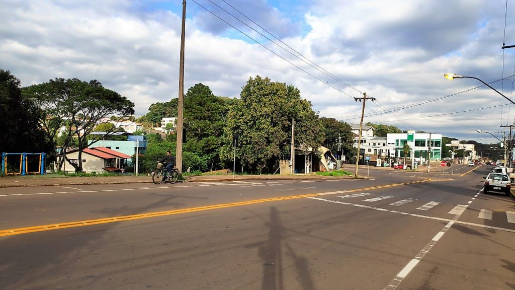 Avenida José Oscar Salazar, em frente ao IFRS, onde será instalada lombada | Foto: Prefeitura de Erechim/Secom