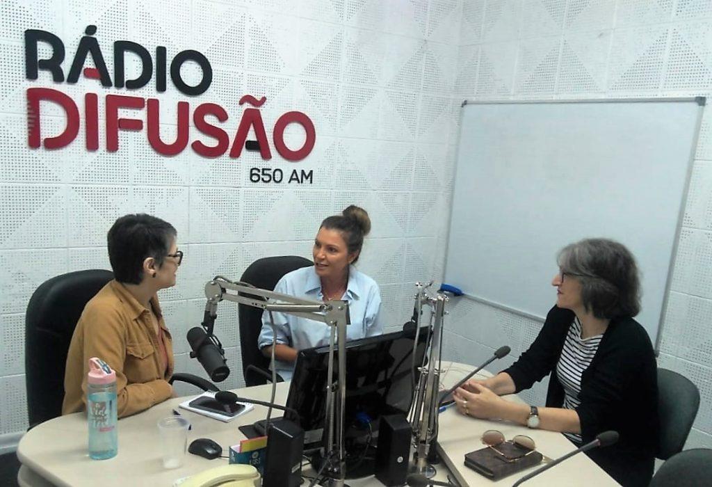 Papo com Elas com a participação de Maristela Poletto (no centro) e Maria Emília Bottini | Foto: Alex Pasi