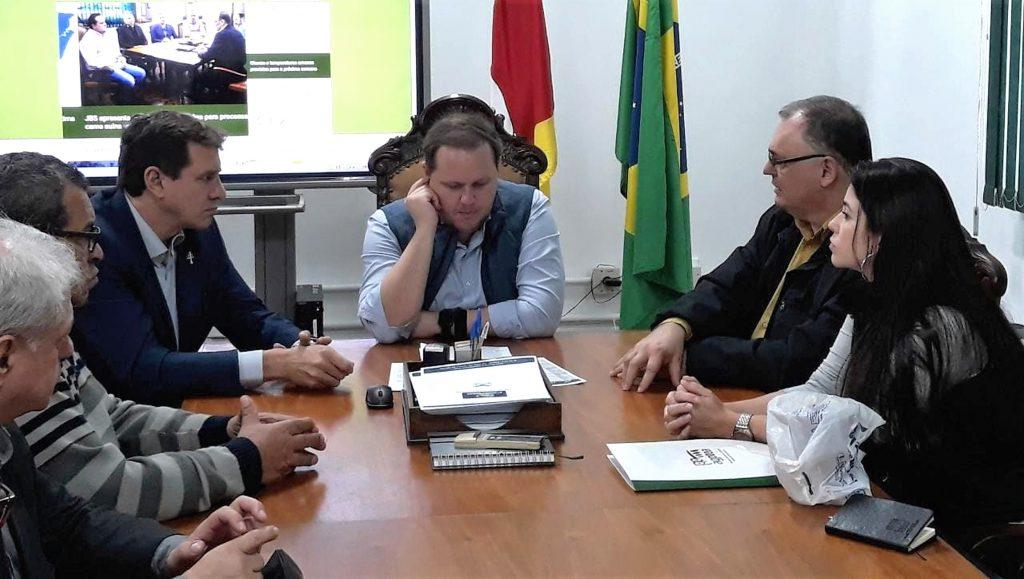 AGPTEA entrega documento ao secretário da Agricultura do RS com proposta de parceria para revitalização de escolas agrícolas      Foto: Rejane Costa/AgroEffective