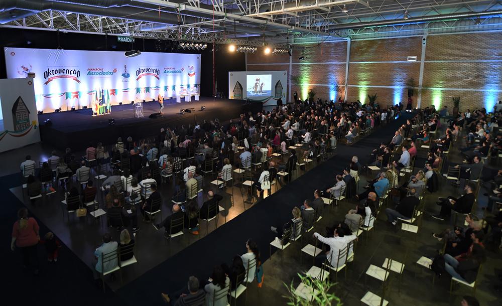 Uma das palestras da 13ª Conferência