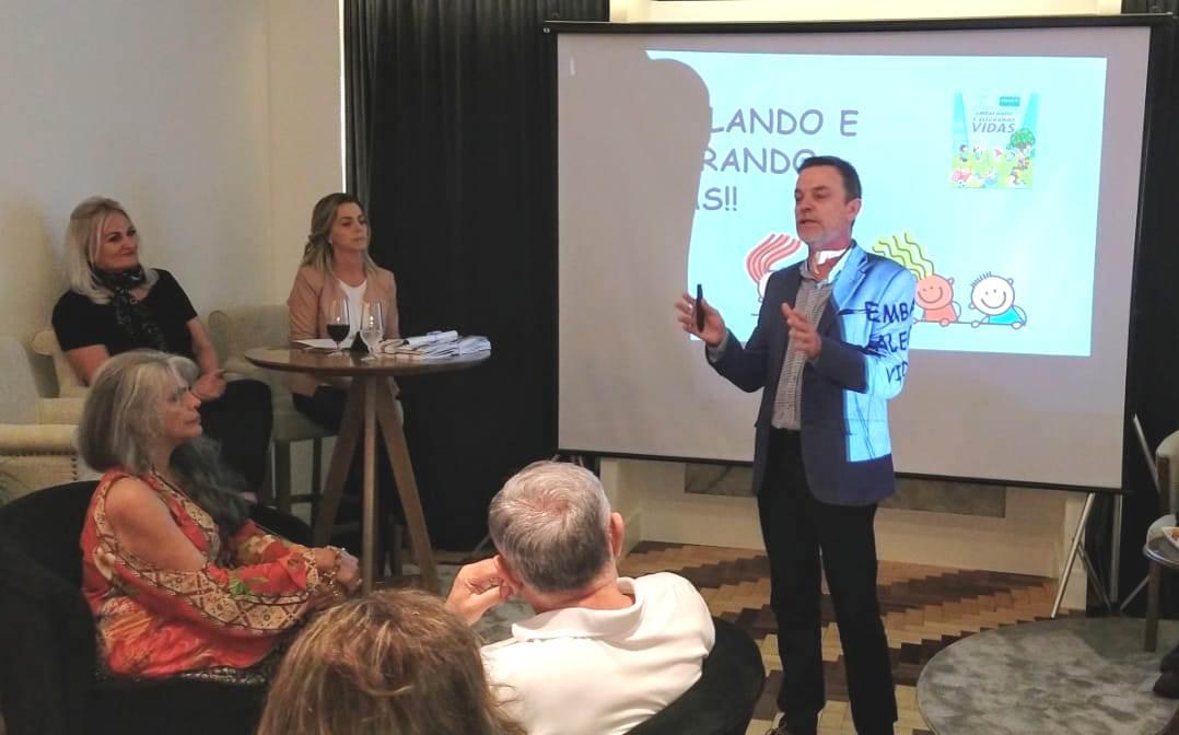 Diretor de Eventos Especiais do Clube do Comércio, Jackson Arpini, apresentou a campanha