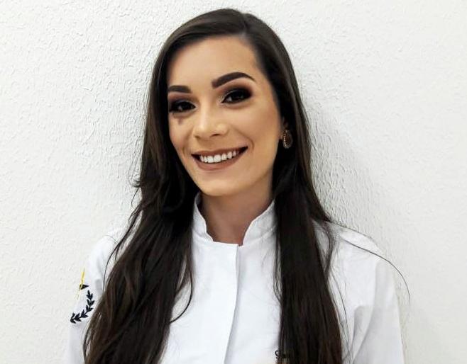 Acadêmica do curso de Farmácia da URI, Fabiana Andrigui fará residência hospitalar em Passo Fundo | Foto: URI Erechim/Imprensa