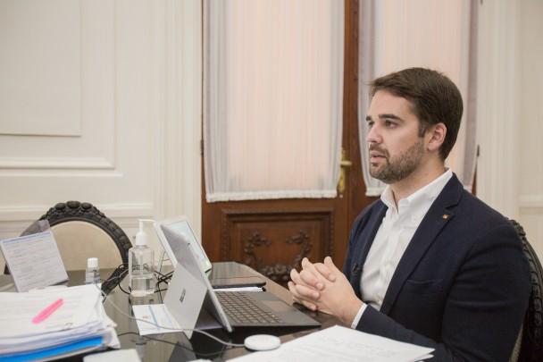 Anúncio foi confirmado por videoconferência com o governador Leite e os secretários Lorenzoni (Sedetur) e Marco Aurelio (Sefaz) Autor: Rodger Timm/Palácio Piratini