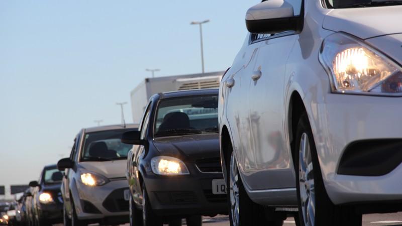 Proprietários de veículos que optarem pelo pagamento antecipado devem pagar o tributo até a quarta-feira (31).